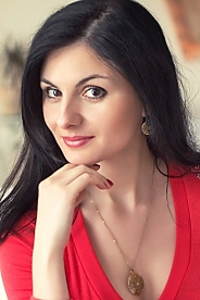 Ukrainian girl Julia,31 years old with brown eyes and dark brown hair.