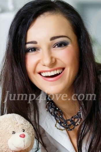 Ukrainian girl Natalia,32 years old with brown eyes and dark brown hair. Natalia
