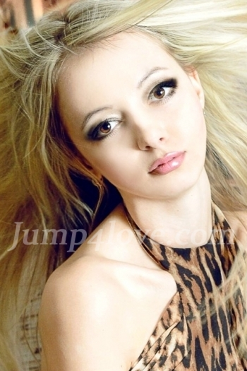 Ukrainian girl Lolita,20 years old with brown eyes and blonde hair. Lolita