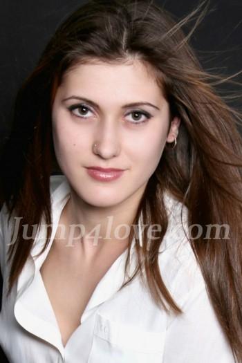 Ukrainian girl Tatyana,18 years old with brown eyes and light brown hair. Tatyana