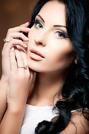 Ukrainian girl Vika,20 years old with green eyes and black hair.