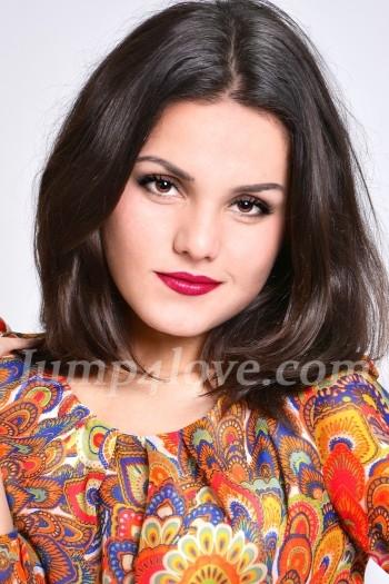 Ukrainian girl Ekaterina,19 years old with brown eyes and dark brown hair. Ekaterina
